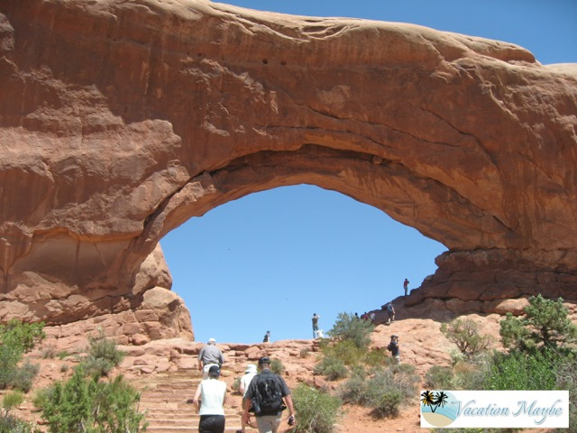 Utah is full of open space and  there are some amazing parks within it. One of the parks worth visiting if you are in Utah is Arches National Park.