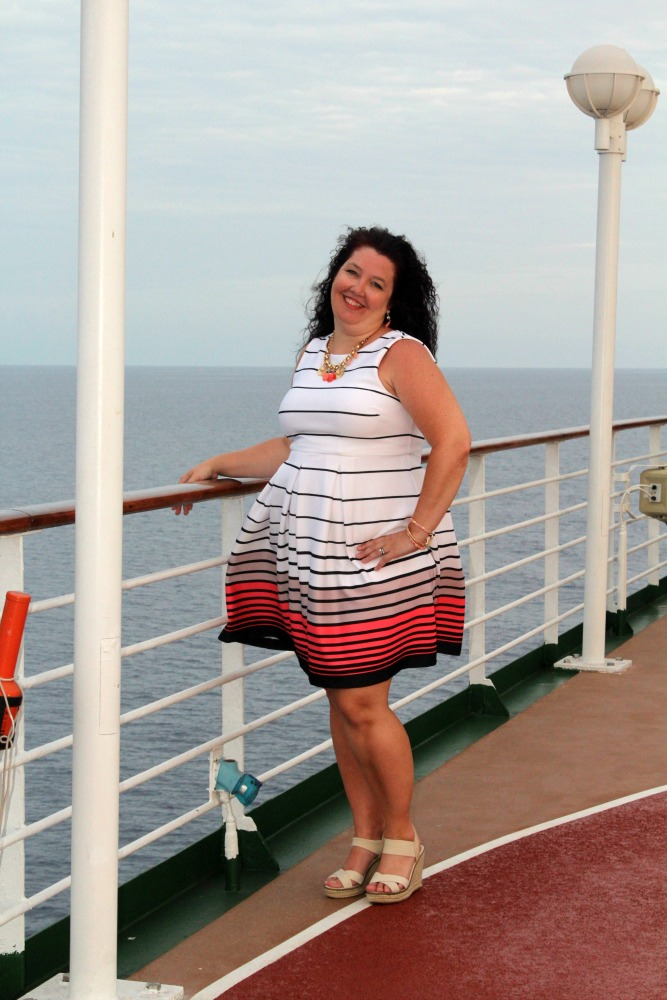 how to pack dresses for a cruise