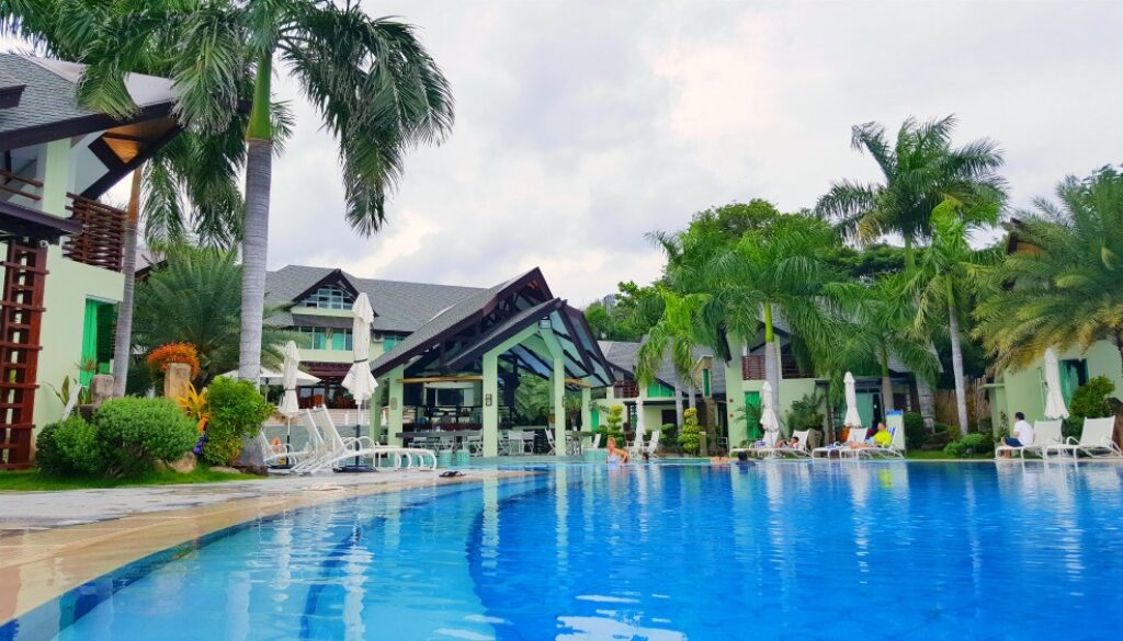 The Acuatico Beach Resort is a breathtaking resort with a gorgeous infinity pool and bungalow style rooms
